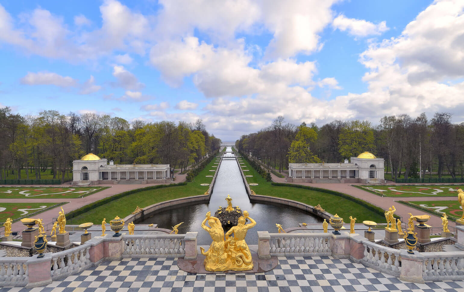 Peterhof Palace Gardens In Saint Petersburg, Russia